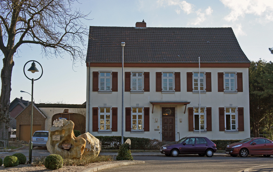 Erstrahlt in neuem Glanz: das Alte Pfarrhaus in Gustorf