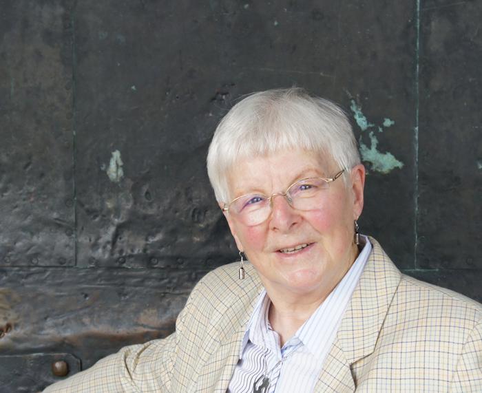 Hannah Schreckenbach im Sommer 2012  am Magdeburger Dom