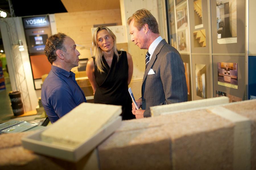 Im angeregten Gespräch: Michael Thönnes (DRUWID), Veranstalterin Blanche Weber und Großherzog Henri (von links)