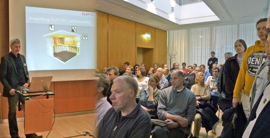 Ausverkauftes Haus: Dipl.-Ing. Ulrich Röhlen beim Fachvortrag