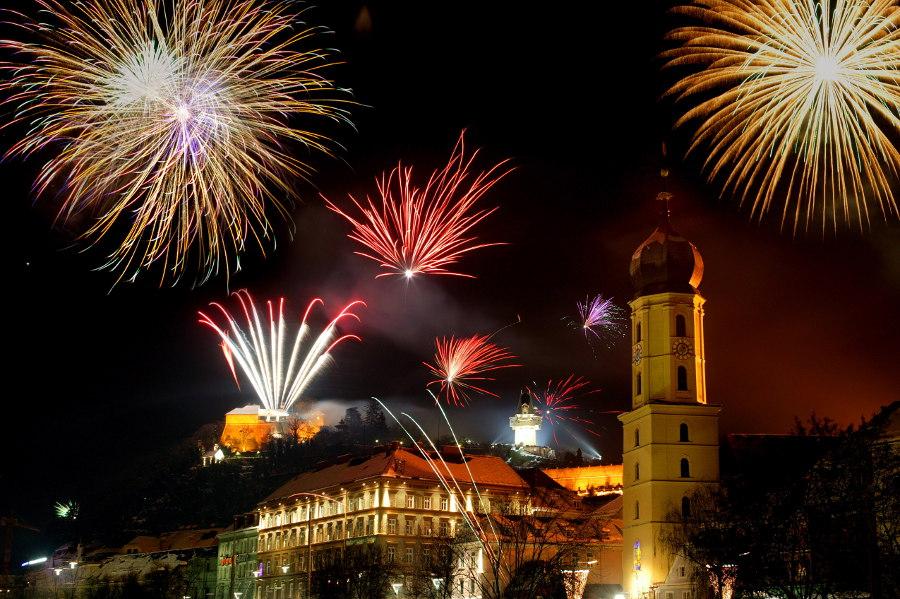 Silvesterfeuerwerk in Graz: Von dort erwarten uns auch im neuen Jahr zündendende neue Produkt-Ideen - Copyright Graz Tourismus