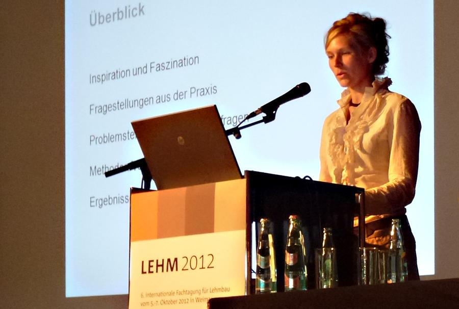 """Britta Wolff als Dozentin auf der Fachtagung """"Lehm 2012"""" in Weimar"""