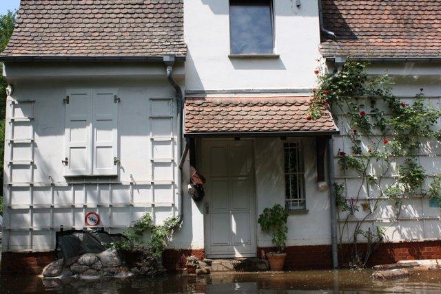 Stillstand in letzter Minute: das frisch sanierte Hochparterre im alten Gärtnerhaus blieb verschont
