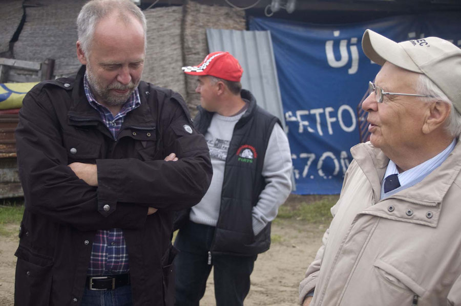 Im Gespräch: Peter Breidenbach (li.) und Istvan Szekessy Foto: Willhardt