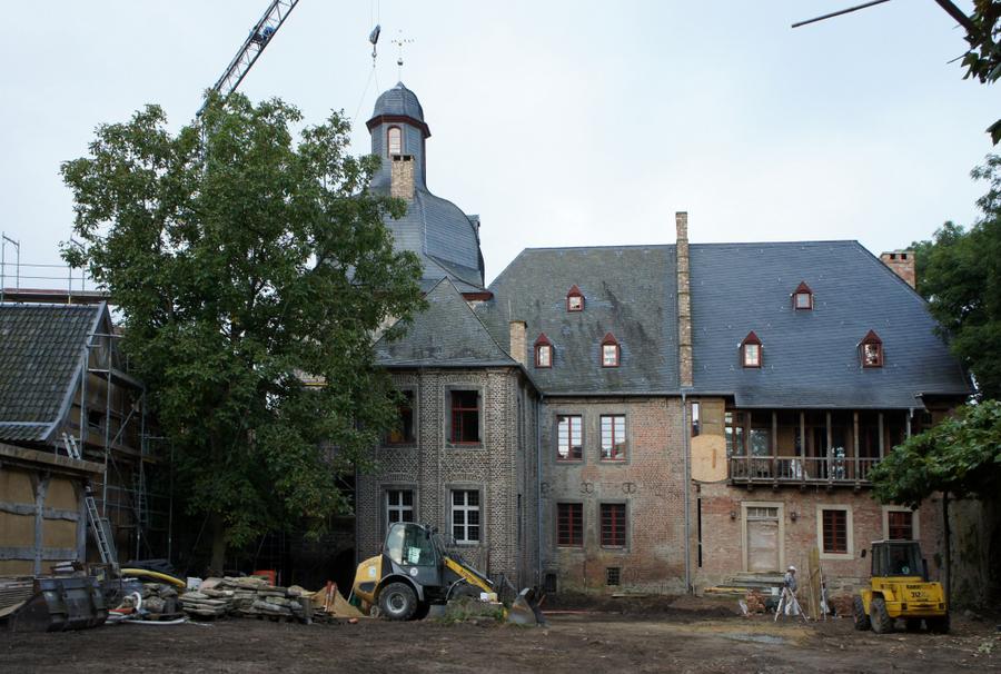 Denkmalpflegerisches Leuchtturmprojekt: Baustelle Schloss Liedberg