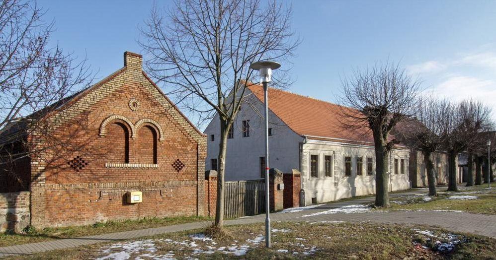 Ausgezeichnetes Lehmbau-Projekt: Alter Gasthof Gutengermendorf  Foto: AVP Architekten