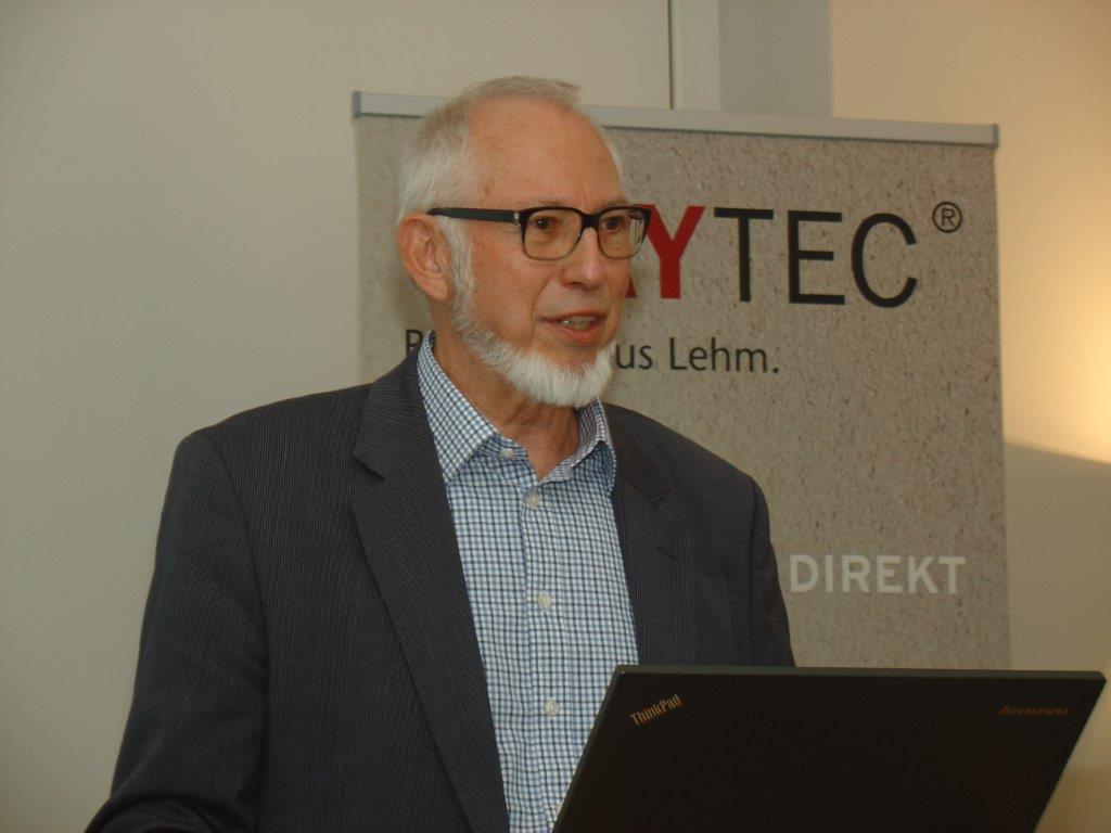 Lehmbau-Urgestein: Professor Manfred Gerner