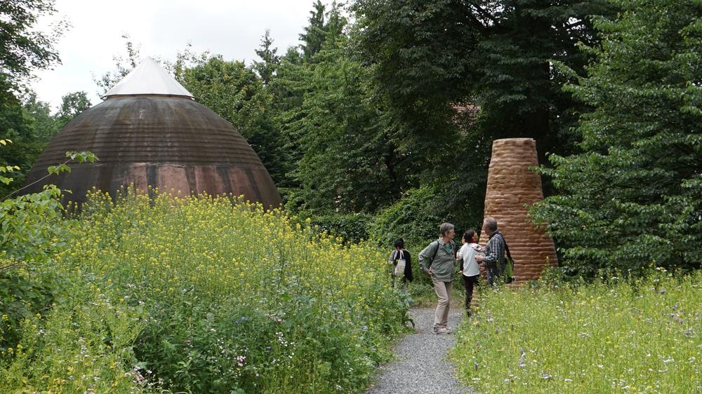 Minke-Bauten auf der documenta 2017