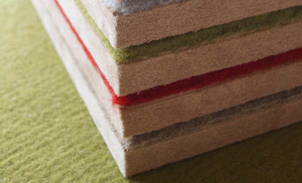 Das prämierte Paneel enthält eine Suspensionsschicht aus Claytec-Lehm. Hier verschiedenfarbige Varianten.