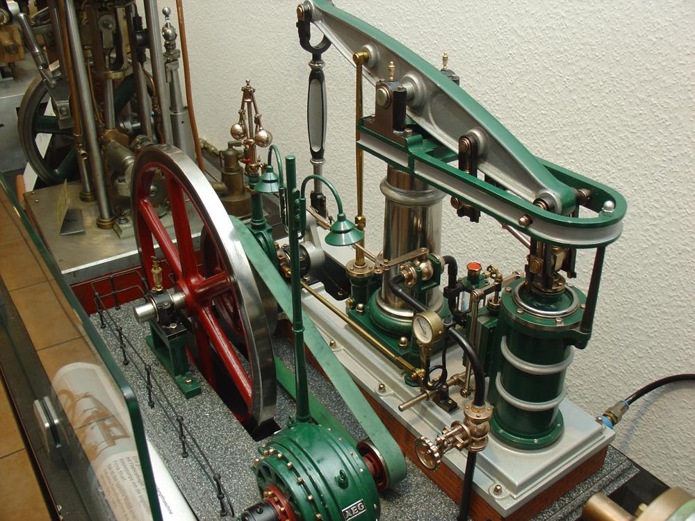 Kindheitstraum: historische Dampfmaschine im Technikmuseum